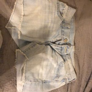 OLD NAVY ✰ light blue denim & diva fit